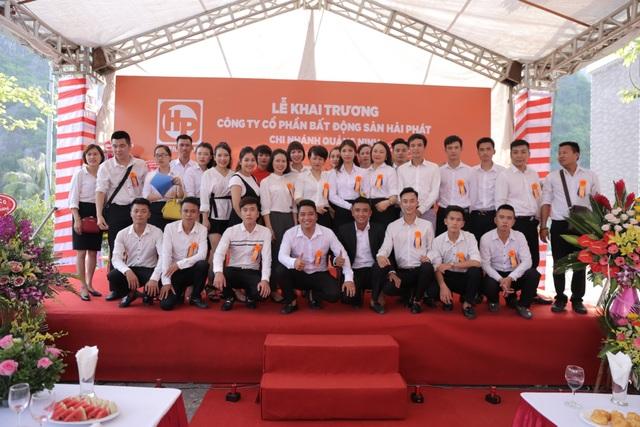 Tập thể Cán bộ nhân viên Hải Phát Land chi nhánh Quảng Ninh