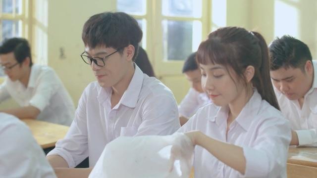 Những hình ảnh của Khánh Hà khi đóng phim Thanh xuân của tớ rực rỡ vì có cậu