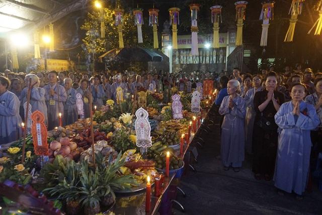 Đại lễ Vu Lan báo hiếu- một ngày lễ mang đậm tính nhân văn trong đời sống tinh thần của người dân Việt Nam.