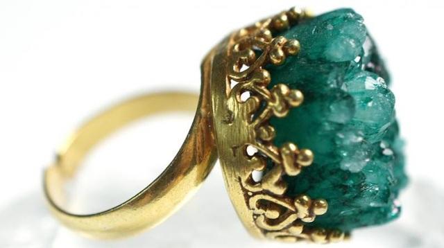 Chiếc nhẫn cổ được anh Ben Bishop tìm thấy trên cánh đồng của một nông dân ở Somerset, Anh. (Nguồn: Pixabay)