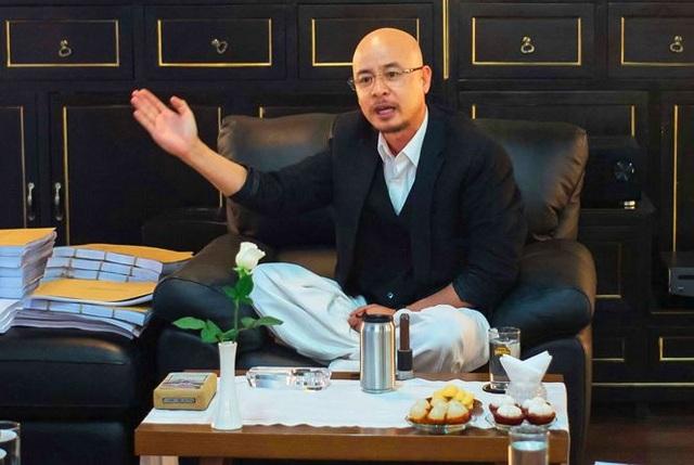 Trong 5 năm ẩn cư thiền định, ông Đặng Lê Nguyên Vũ đã tìm ra lời giải cho mọi vấn đề. Ảnh: Tô Thanh Tân