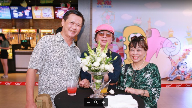 Đạo diễn Nguyễn Hà Bắc, đạo diễn Đặng Nhật Minh, nhà phê bình Nguyễn Thị Minh Thái (từ trái qua phải) tại Lễ công chiếu phim Monta trong dải dân hà kỳ cục
