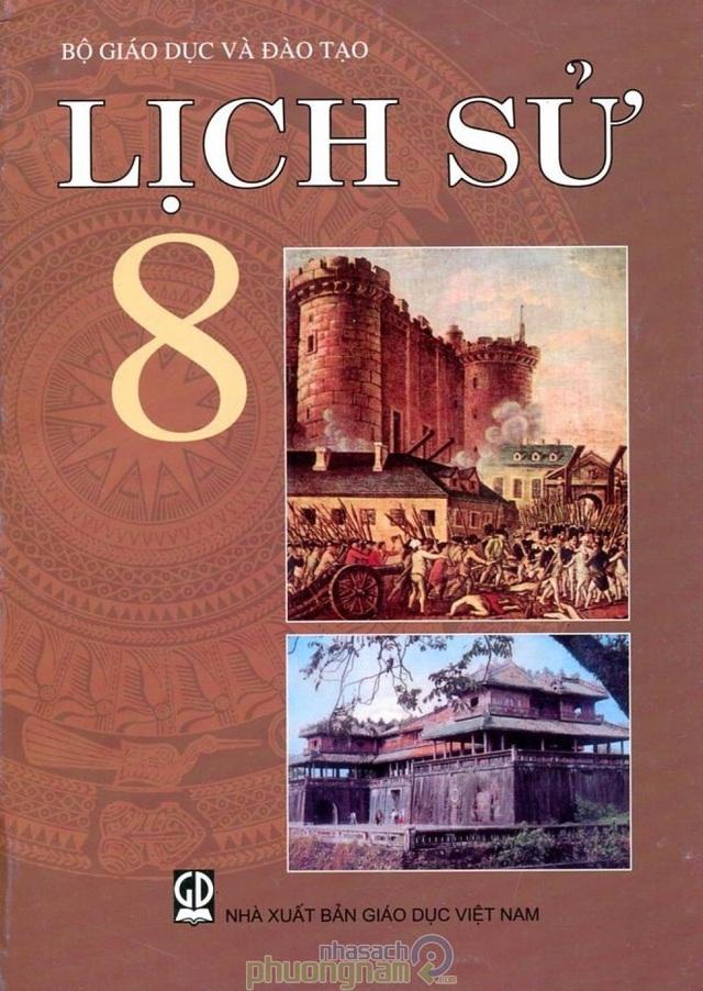 Và bìa sách lịch sử lớp 8 có hình ảnh cách mạng Pháp