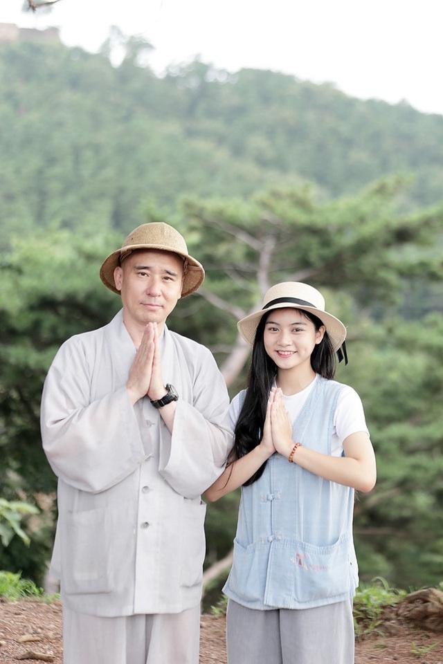 Miss Teen Nam Phương khoe tà áo dài trắng thướt tha trên đất nước Hàn Quốc - 6