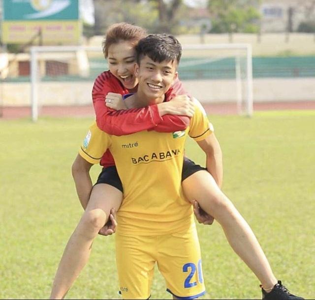 Đọ sắc các bóng hồng của tuyển thủ U23 Việt Nam - 8