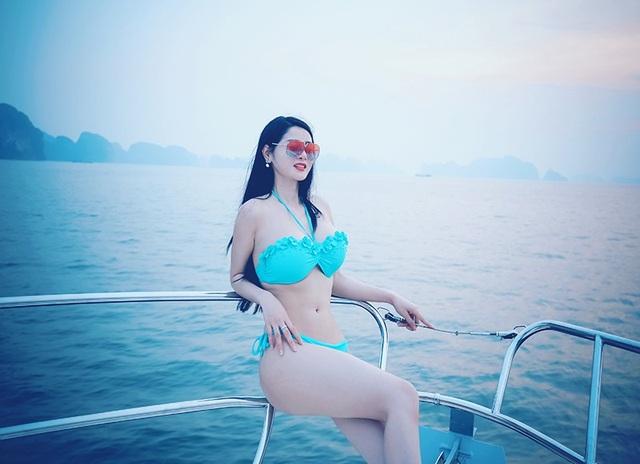 """""""Cô đồng"""" Triệu Hà Vy khoe vóc dáng nuột nà trên du thuyền - 11"""