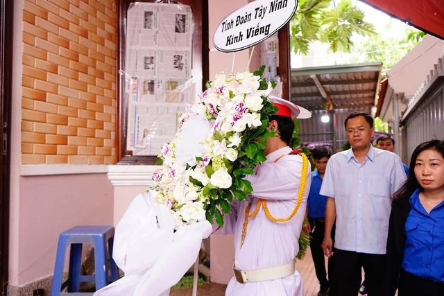Đoàn Tỉnh Đoàn Tây Ninh viếng đám tang cựu chiến sĩ tình báo Nguyễn Văn Thương - người con anh hùng của quê hương Tây Ninh