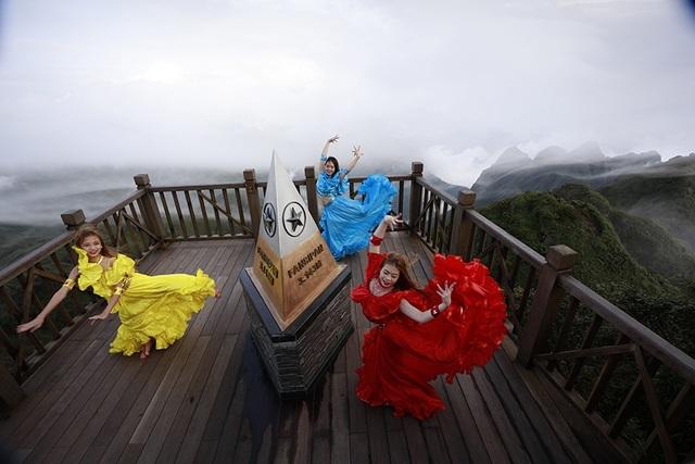 Đến với Sa Pa du khách đừng quên lên đến đỉnh Fansipan hùng vĩ.