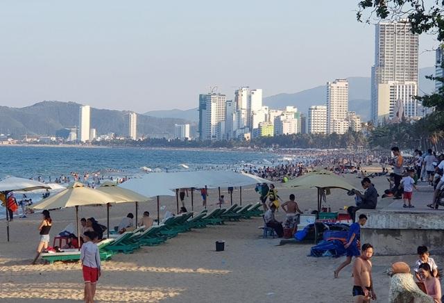 Du lịch Nha Trang - Khánh Hòa tăng trưởng mạnh trong những năm qua và xuất hiện nhiều yếu tố bất lợi về môi trường