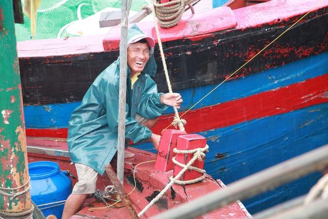 Ngư dân neo buộc phương tiện