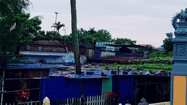 Mái nhà tại Cát Hải được người dân gia cố cẩn thận