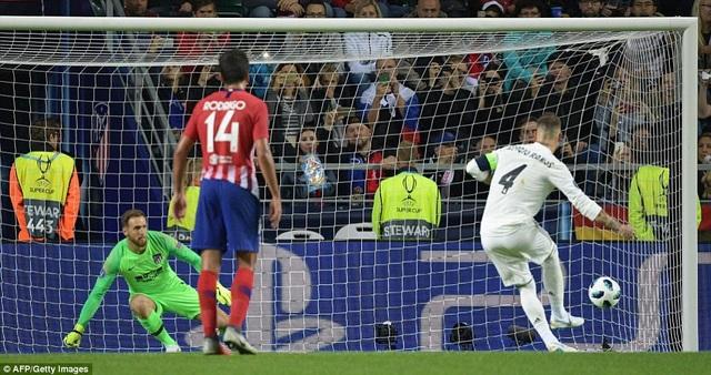 Ramos nâng tỷ số lên 2-1 cho Real Madrid sau quả phạt đền thành công