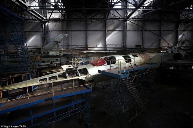Theo Tass, máy bay này có thể mang cả tên lửa có kích thước lớn hơn như Kh-50.
