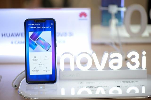Nova 3i sử dụng màn hình Full HD+ tỷ lệ 19.5:9 thời thượng nhất trên các smartphone ở thời điểm hiện tại