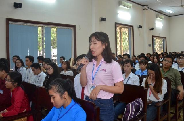 Sinh viên ngành Sư phạm Trường ĐH Sài Gòn chia sẻ những băn khoăn về lương thấp và nhiều áp lực đối với giáo viên mầm non.