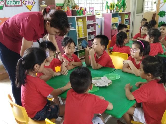 Sở GD&ĐT Hà Nội kiến nghị UBND thành phố Hà Nội chỉ đạo các địa phương tăng cường quỹ đất, đầu tư xây dựng thêm phòng học để giảm sĩ số. (Ảnh minh họa: Mỹ Hà).