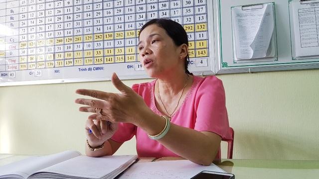 Bà Nguyễn Thị Thùy Linh - Hiệu trưởng Trường mầm non Phú Hòa trao đổi với PV.
