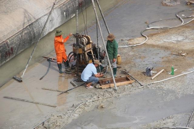 Xử lý khoan vào thân đập nhằm đảm bảo an toàn cho công trình