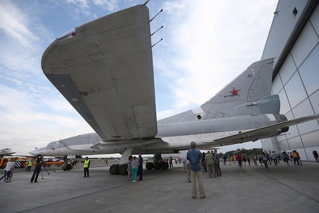 Một nguồn tin quốc phòng Nga cho biết mỗi máy bay Tu-22M3M có thể được nâng cấp để mang tối đa 4 tên lửa diệt hạm siêu thanh Kinzhal, cho phép máy bay này đối phó với các mục tiêu được bảo vệ bởi các hệ thống phòng thủ tên lửa tối tân, đồng thời giúp Nga tiết kiệm chi phí bằng cách tận dụng các máy bay cũ thay vì phát triển các máy bay mới để mang tên lửa Kinzhal.