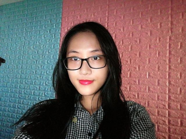 """Selfie trong điều kiện thiếu sáng mà vẫn rõ đẹp, ánh sáng đánh đúng """"chuẩn"""" studio chỉ có ở Nova 3i"""