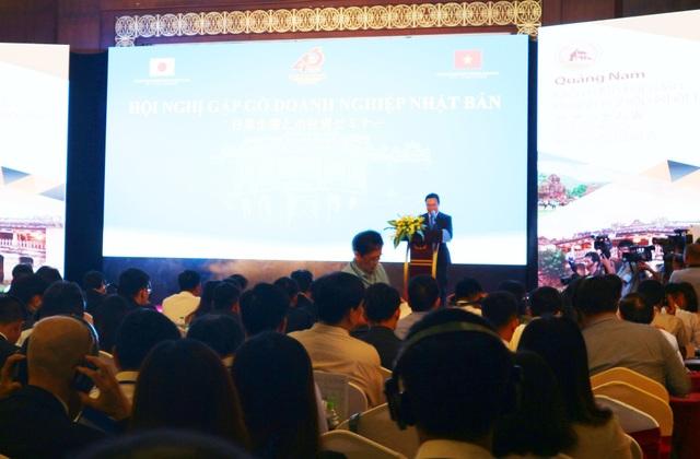 Ông Lê Trí Thanh - Phó Chủ tịch tỉnh Quảng Nam - phát biểu tại hội nghị