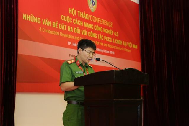 Trung tá Nguyễn Văn Bình - Trường phòng KHCN và Kiểm định Cục Cảnh sát PCCC và CNCH - Bộ Công an phát biểu tại Hội thảo chuyên đề.