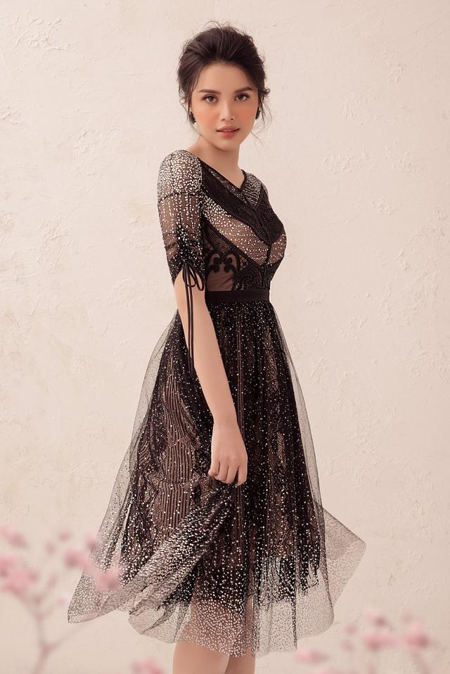 Những chiếc váy được cách điệu giúp Diệu Thuỳ trở nên dịu dàng, nữ tính và nổi bật hơn.