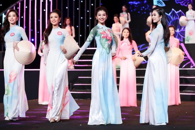 Nguyễn Thị Huyền gây kinh ngạc khi hát tiếng Anh như ca sĩ chuyên nghiệp - 10