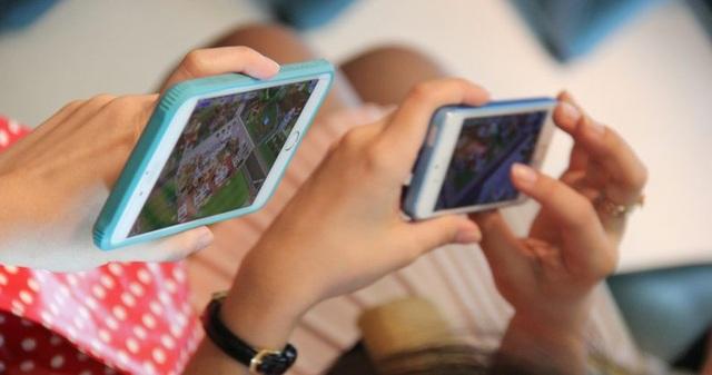Game trên điện thoại di động ngày càng thu hút và khiến người ta sẵn lòng bỏ tiền để thưởng thức, dù với bất kỳ thủ đoạn nào.