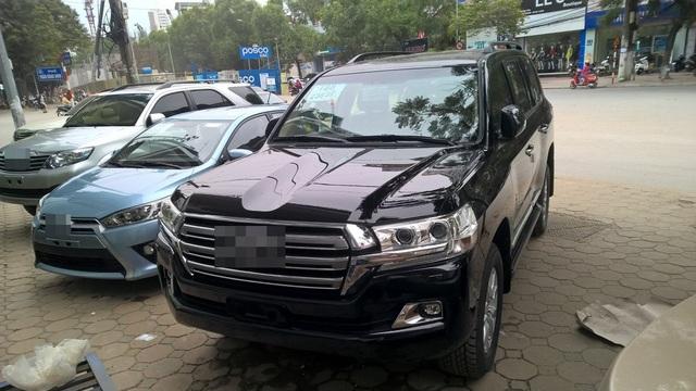 Do bị đánh thuế cao, xe cao cấp đang dần thu hẹp thị phần ở Việt Nam