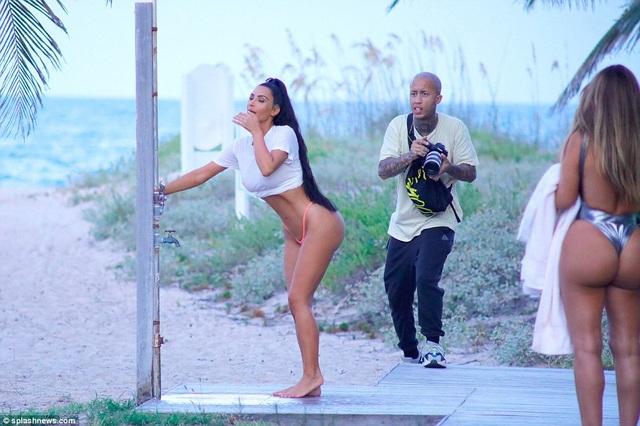 Kim Kardashian mới giảm cân ấn tượng