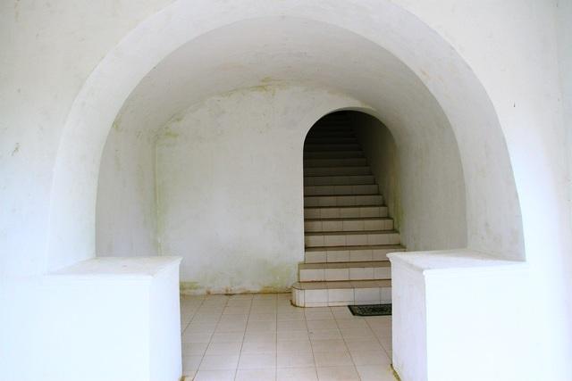 Lối lên tầng 2