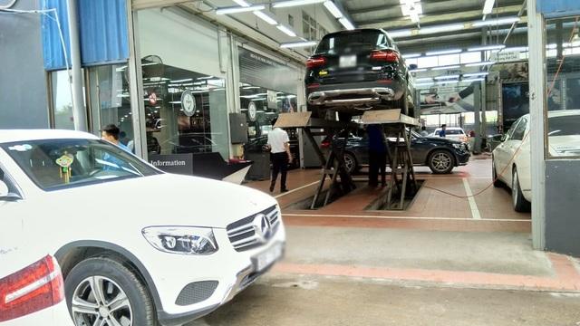 Những xe mang vào xưởng có hiện tượng nước lọt cầu trước đa số chủ xe cho biết là xe không có vào vùng ngập nước mà chỉ rửa xe xịt gầm.
