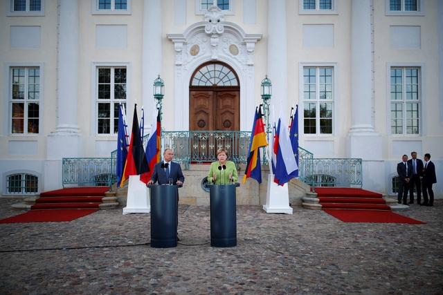 Ông Putin cũng nhất trí với bà Merkel về tầm quan trọng của việc duy trì thỏa thuận hạt nhân Iran và cho rằng không nên xóa bỏ thỏa thuận này dù Mỹ đã rút lui.