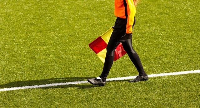 Vì sao phụ nữ chơi bóng đá nguy hiểm hơn nam giới? - 1