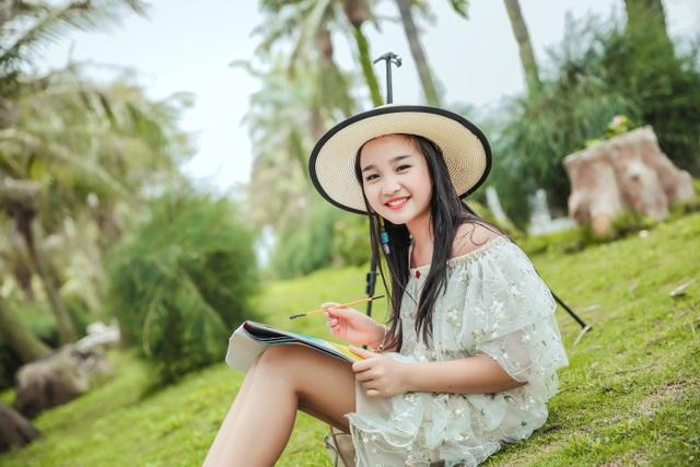 NTK Tạ Linh Nhân cho ra đời BTS từ ý tưởng hội họa của á hậu nhí Khánh Linh - 9