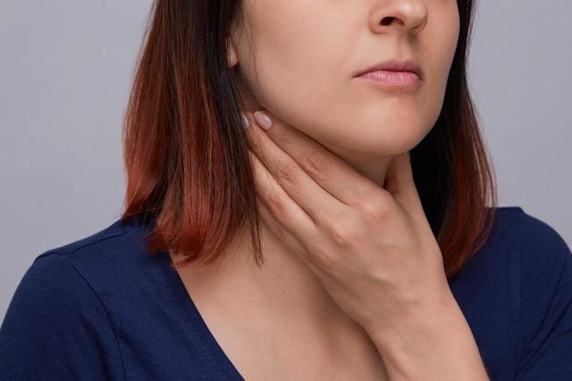 6 triệu chứng sớm của ung thư họng dễ bị bỏ qua - 1