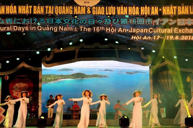 Vở múa Quê hương Việt Nam