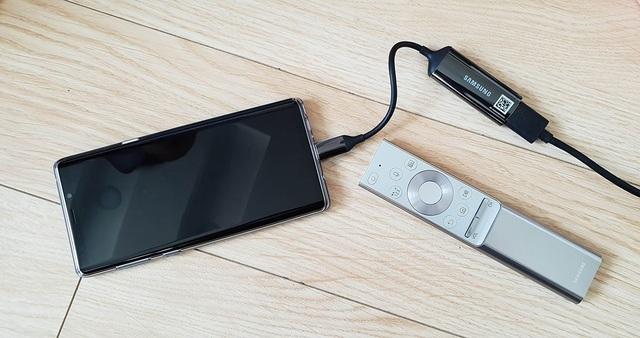 Cận cảnh bộ đôi phụ kiện đặc biệt mới của Samsung sắp bán tại Việt Nam - 5