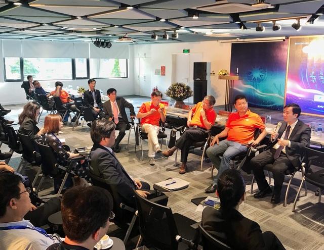 Lãnh đạo của các tập đoàn lớn tại Việt Nam trao đổi trực tiếp cùng 100 nhân tài trong lĩnh vực Khoa học - Công nghệ.