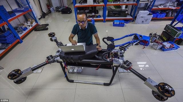 Scooter bay của nhà phát minh Trung Quốc giá chưa đến 170 triệu đồng - 7