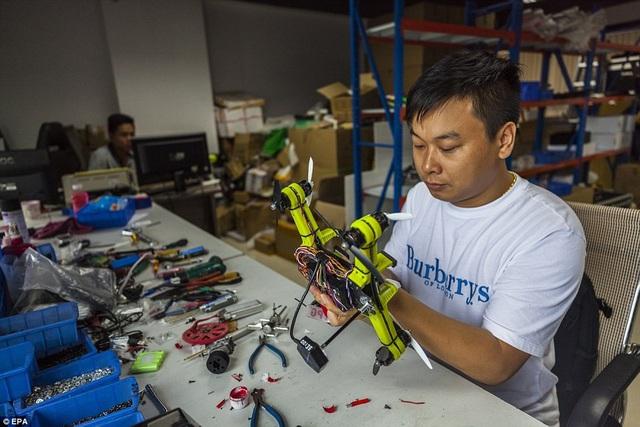 Scooter bay của nhà phát minh Trung Quốc giá chưa đến 170 triệu đồng - 6