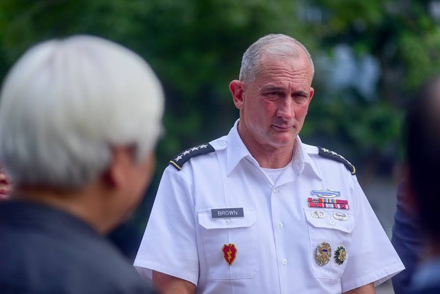 Đại tướng Brown khẳng định sẽ tiếp tục hợp tác với Việt Nam trong các hoạt động hỗ trợ nhân đạo và cứu trợ thảm họa cũng như trong các lĩnh vực khác như an ninh, gìn giữ hòa bình.