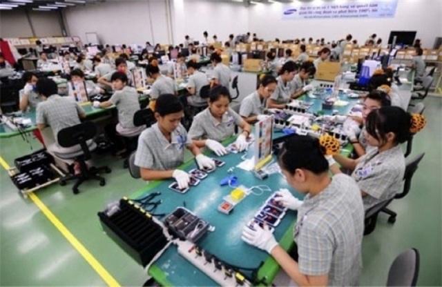 Việt Nam hút FDI bằng ưu đãi thuế, giá nhân công và năng lượng thấp.