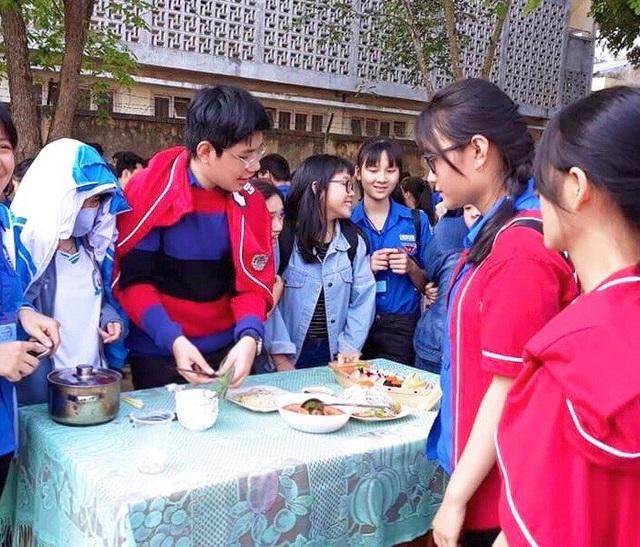 Ngoài thành tích học tập nổi bật, Nguyễn Lê Đông Hải còn tích cực tham gia nhiều hoạt động xã hội