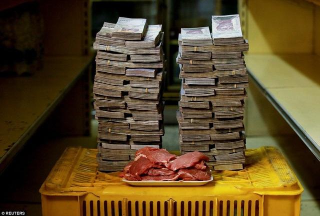 1 kg thịt trong ảnh có giá 9,5 triệu bolivar (1,45 USD).