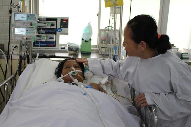Một trường hợp bị băng huyết bệnh viện địa phương phải chuyển lên tuyến trên điều trị