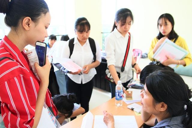 Ở trường Đại học Ngoại ngữ, đa số tân sinh viên là nữ