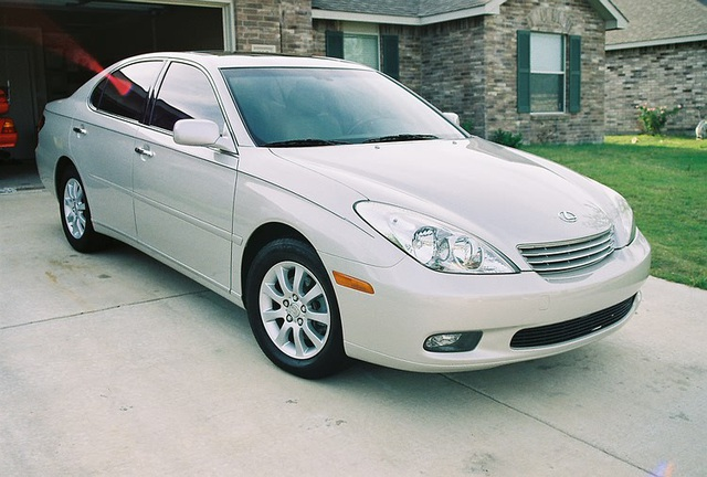 Một chiếc Lexus ES300 phiên bản 2002 (Ảnh minh họa)