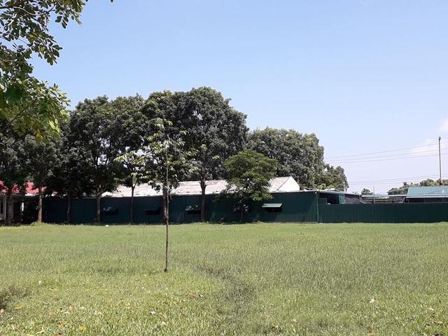 Ngăn khuôn viên trường cho công ty may vào hoạt động - 1